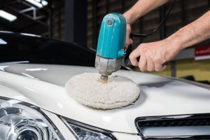 car-waxing-car detailing